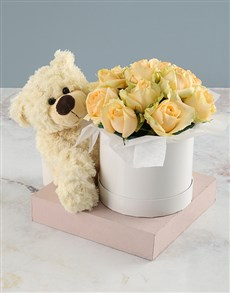 flowers: Delicate And Dazzling Peach Rose Box!
