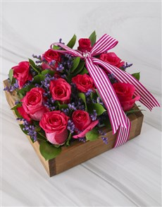 flowers: Cerise Roses In Wooden Crate!