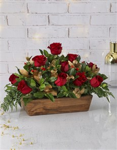 flowers: Red Roses Christmas Centerpiece!