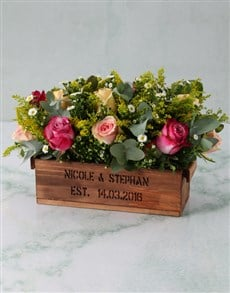 flowers: Gorgeous Roses In Wooden Box!