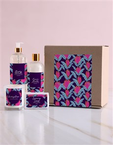 gifts: Personalised Blossom Bath and Body Box!