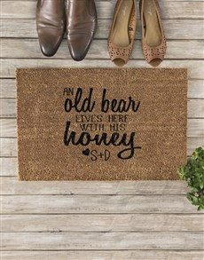 gifts: Personalised Old Bear And Honey Doormat!