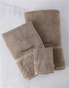 gifts: Personalised Black Embroidery Towel Set!