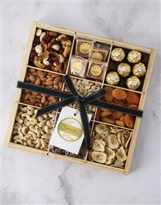 gifts: Personalised Family Nut Tray!