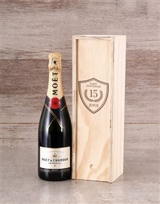 gifts: Personalised Anniversary Bubbly Crate!