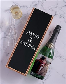 gifts: Personalised Sparkling Wine and Crate!