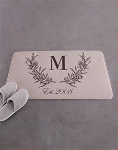 gifts: Personalised Wreath Initial Bath Mat!