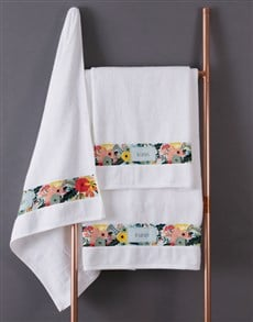 gifts: Personalised Bright Floral White Towel Set!