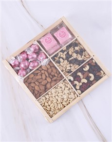 gifts: Sweet Nibbles Snack Crate!