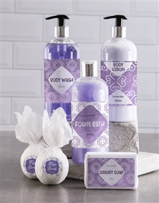 gifts: Bath And Body Lavender Luxury Gift Hamper!