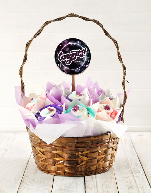 bakery: Personalised Galactic Congrats Cupcake Bouquet!