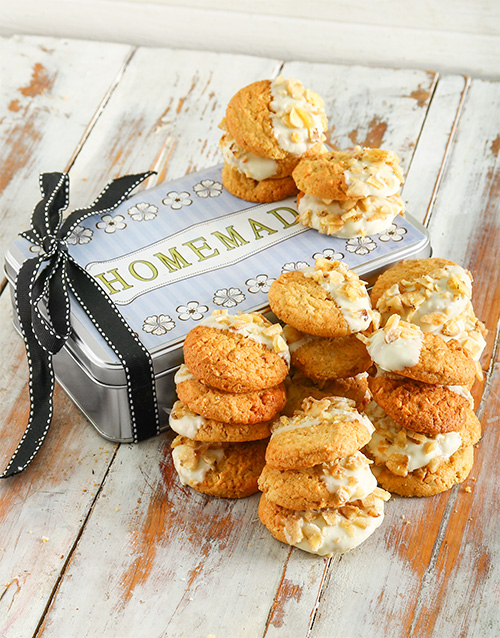 bakery: Banana and Peanut Cookie Tin!