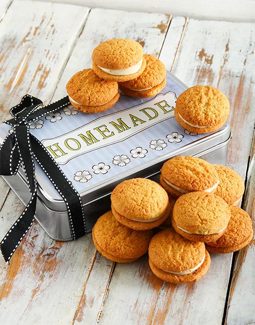 bakery: Carrot Cake Cookie Sandwich Tin!