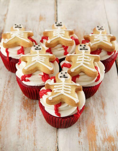 halloween: Skeleton Red Velvet Cupcakes!