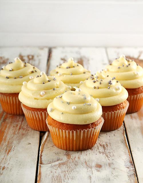cupcakes: Classic Vanilla Cupcakes!