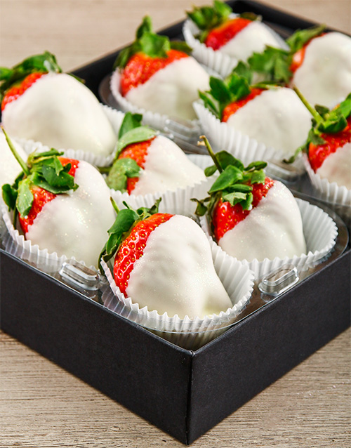 bakery: Dreamy White Chocolate Dipped Strawberries!