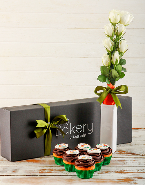 cupcakes: Sorry Cupcakes and Flowers Gift Box!