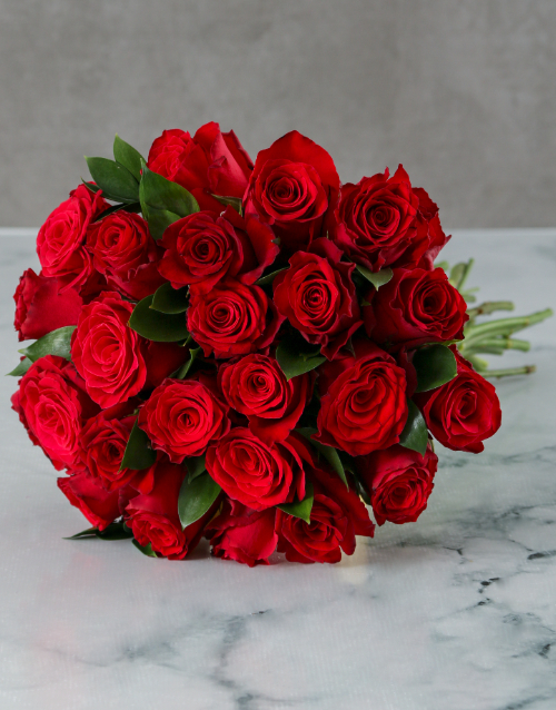 bouquets: Fresh Red Roses in Craft Paper!
