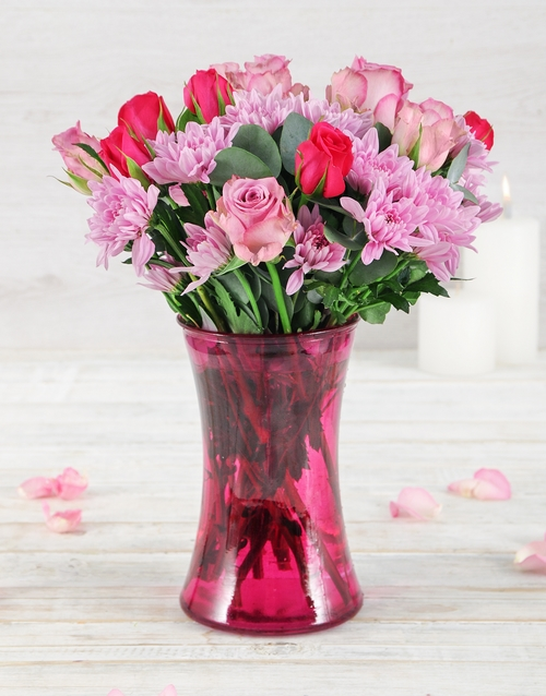 colour: Roses and Sprays in Lady Pink Vase!