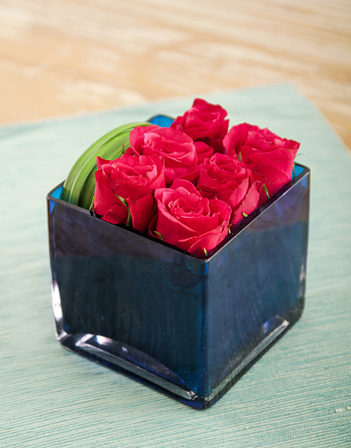 colour: Cerise Roses in a Blue Square Vase!