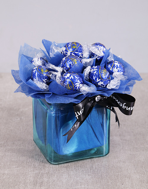 edible-chocolate-arrangements: Dark Galaxy Lindt Arrangement!
