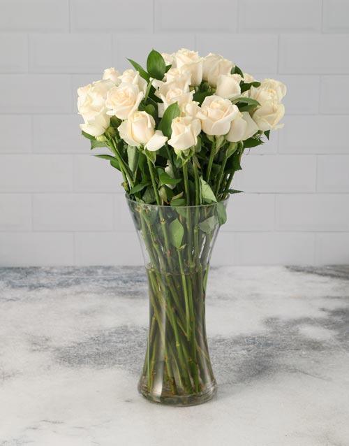 anniversary: Cream Roses in a Vase!