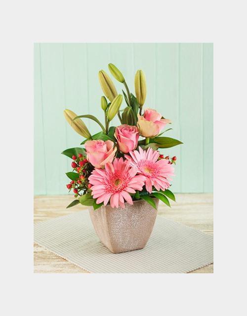 colour: Pink Flower Arrangement!