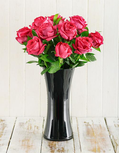 colour: Cerise Roses in Black Vase!