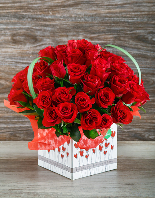 colour: Red Roses in a Love Box!