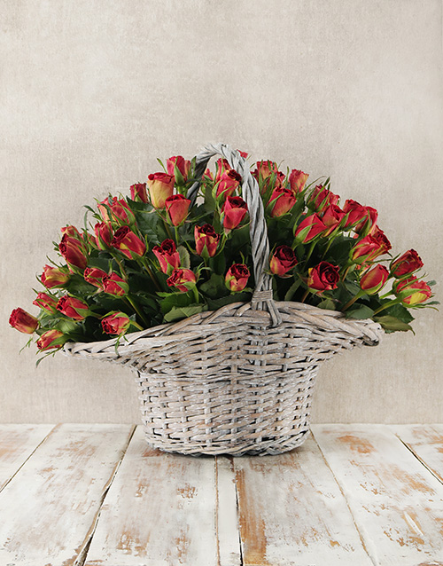 roses: Enchanting Rose Basket!