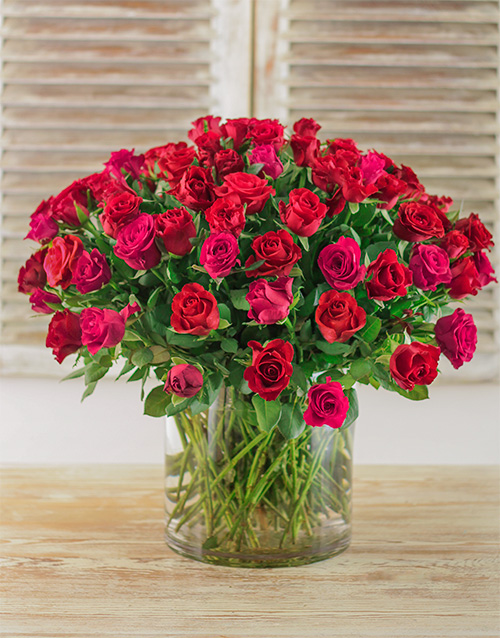 colour: For the Love of Roses Arrangement!