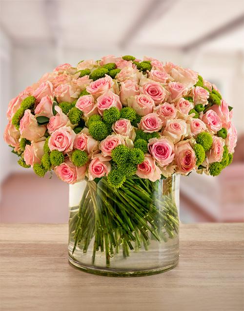 roses: Strawberry Sorbet Rose Vase!
