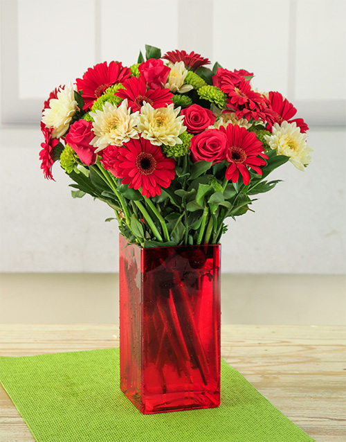 colour: Red Rouge Flower Vase!