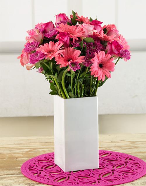coloured-vases: Pink Ladies Arrangement!