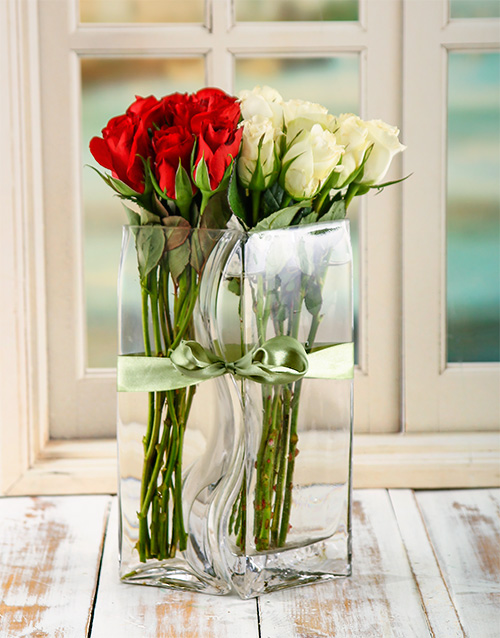 flowers: Scarlet and Ivory Lovers Vase!