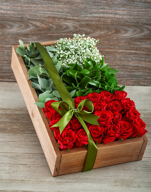 anniversary: Love in a Red Rose Box!