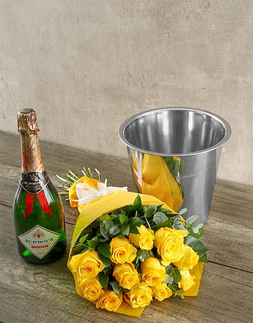 colour: Romantic Yellow Rose Bouquet and JC le Roux!