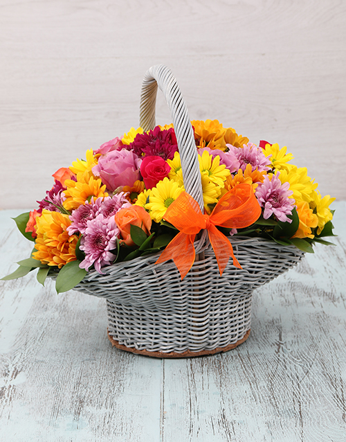 anniversary: Willow Basket of Roses and Sprays!