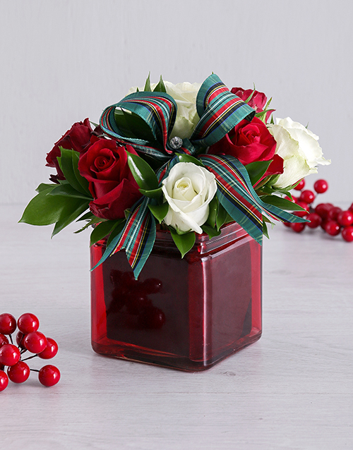 christmas: Petite Red and White Rose Arrangement!