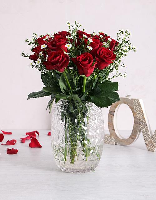 anniversary: Ravishing Roses in Glass Vase!