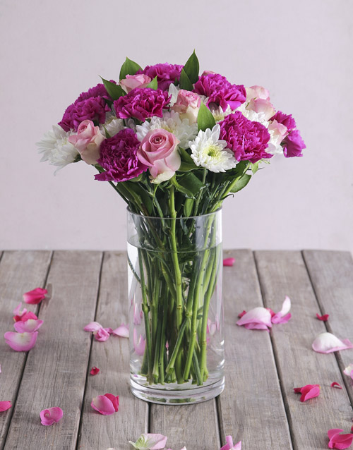 colour: Pink and White Florals in Clear Vase!