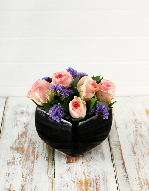 colour: Pink Roses in a Black Pottery Vase!