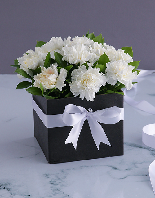 year-end: Formal Carnations in a Box!