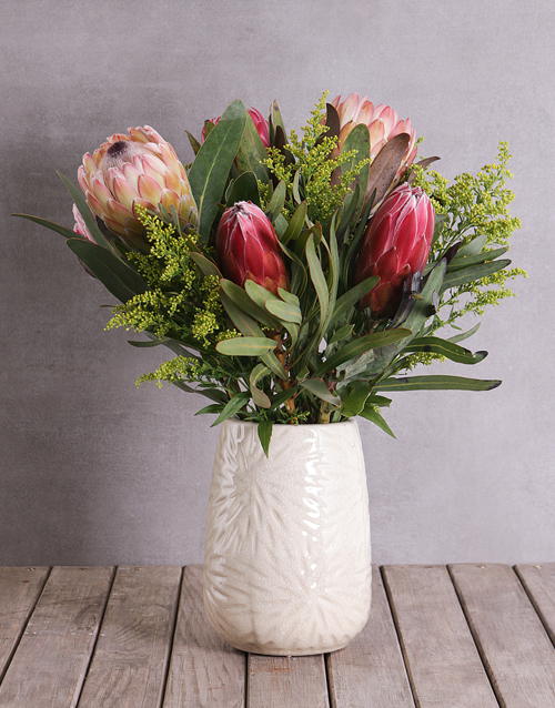 colour: Proteas in Cylinder Ceramic!
