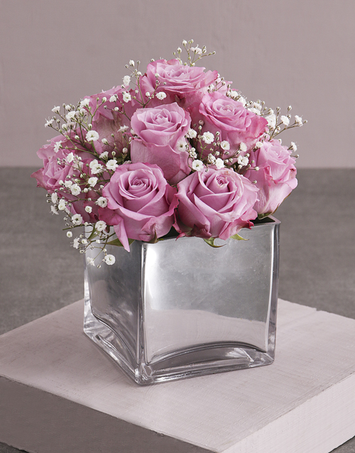 vase: Lilac Roses and a Million Stars!