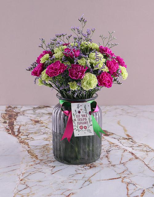 colour: Blooming Carnation Arrangement!