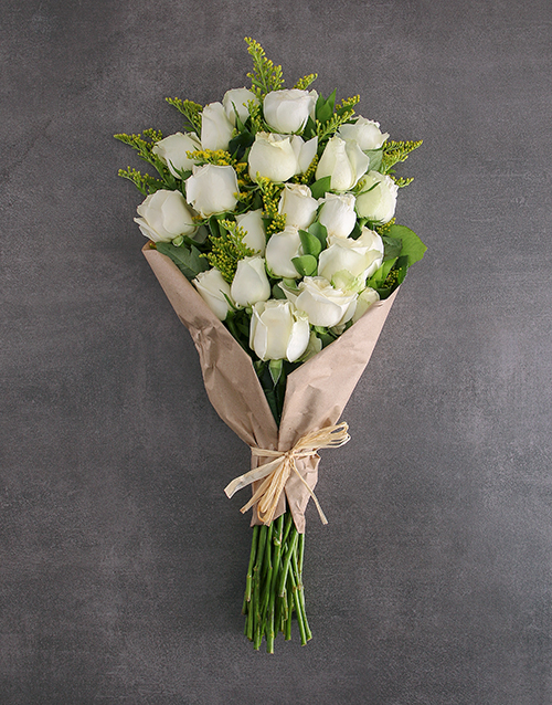 flowers: Bouquet Of Stunner White Roses!