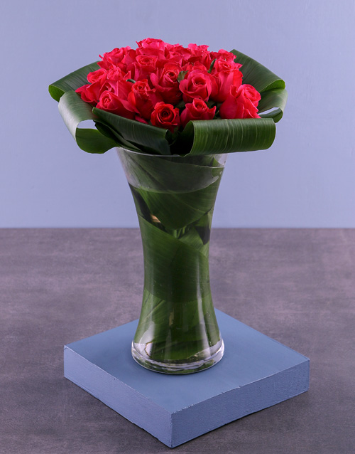 birthday: Sweet Cerise Roses In Flair Vase!