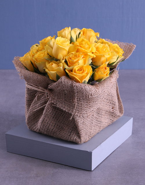 birthday: Yellow Roses Galore In Box!
