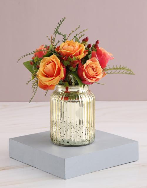 christmas: Cherry Brandy Roses in Glowing Vase!